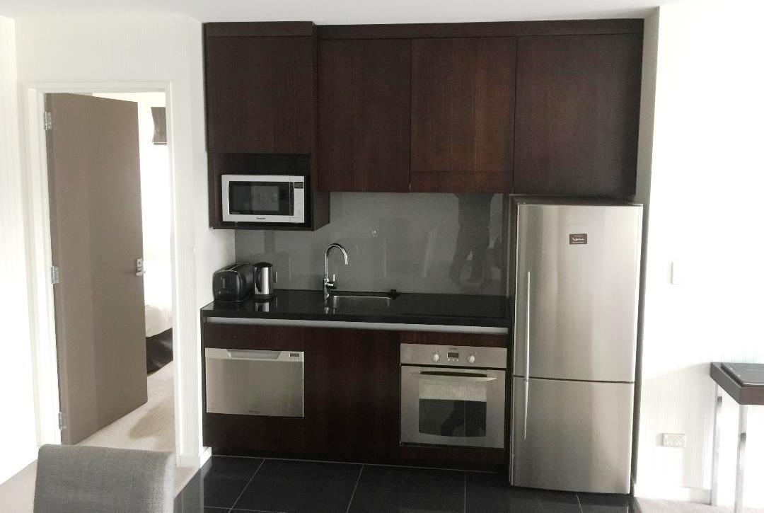 Hilton Queensland 2BR Apartment Kitchen